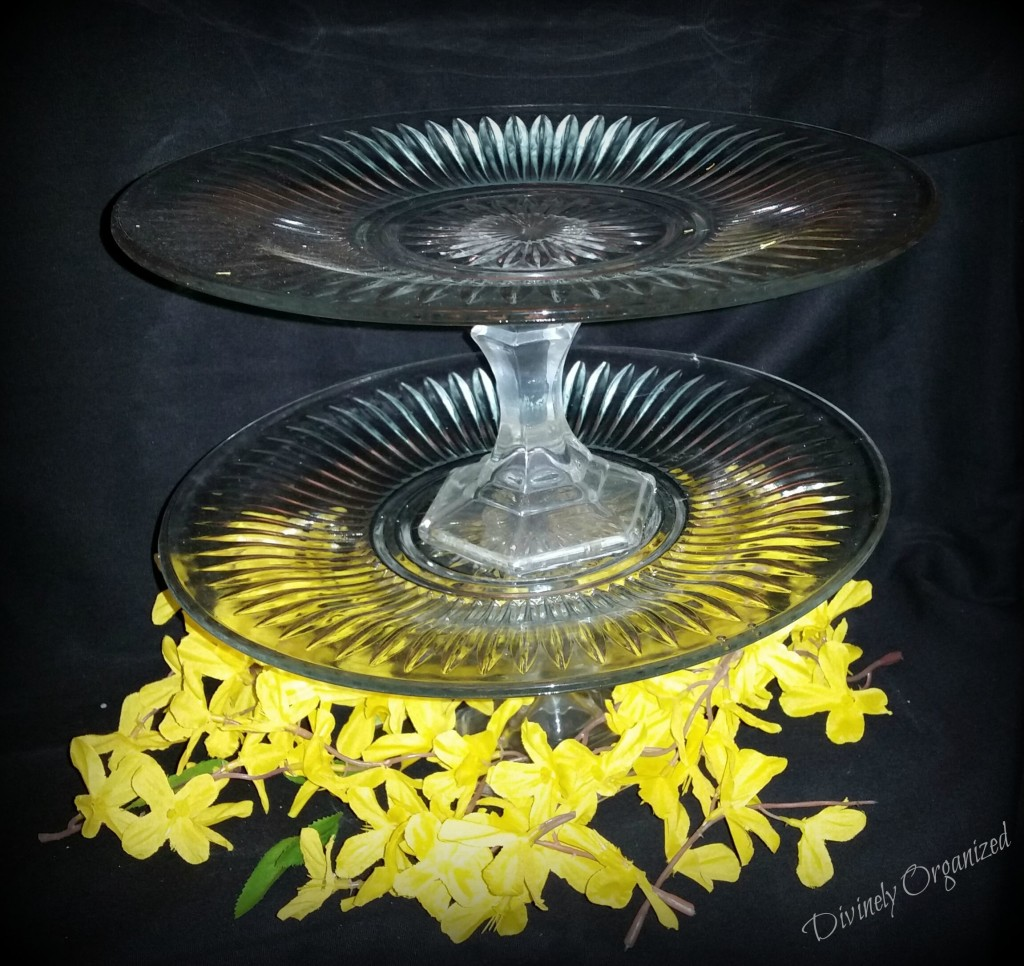 Double Tier Cupcake Plate - Clear 2 PM