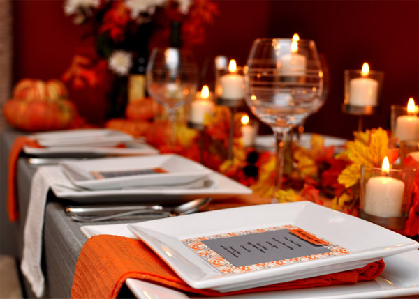 Photo Courtesy of - http://www.leesvilletaproom.com/gorgeous-thanksgiving-tablescapes/modern-thanksgiving-tablescapes/