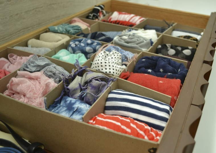 Photo Courtesy: Joy & Sunshine http://www.joyandsunshine.com/blog/2013/01/09/how-to-organize-store-scarves/