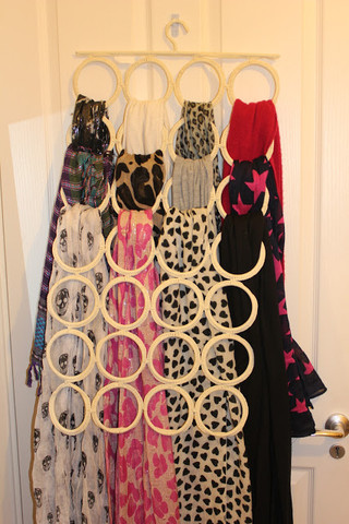 Courtesy: LaLa Red http://www.lalared.com/blogs/lalared-news/12369757-scarf-storage-solutions